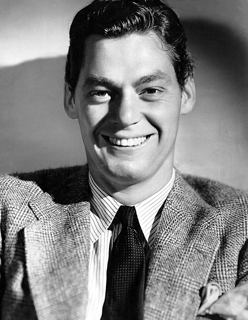 800px-Johny_Weissmuller-publicity
